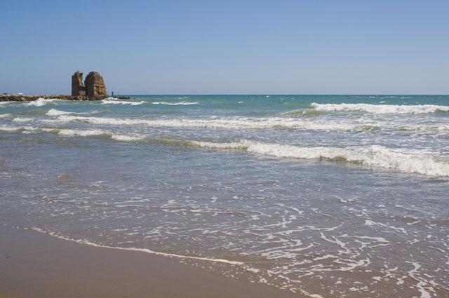 Matrimonio Spiaggia Ladispoli : Ladispoli rottura oleodotto kerosene in mare lagone