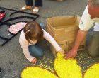 Bracciano. Grande festa per l'Infiorata domenicale: fiori e colori ravviano la città