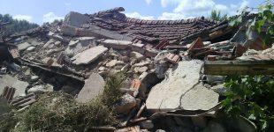Bracciano, il lago si inchina alle vittime del terremoto