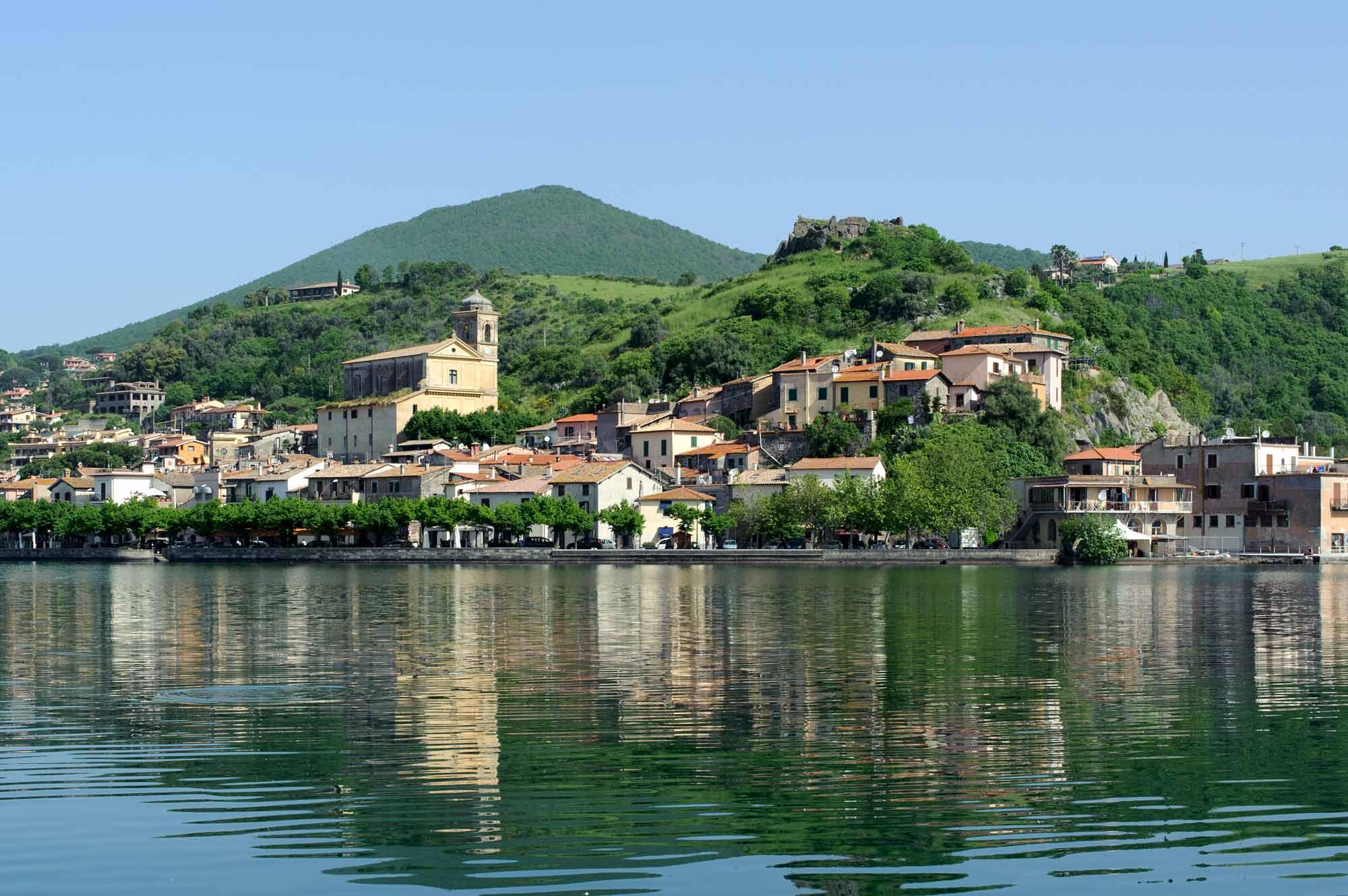 Matrimonio Trevignano Romano : Il ferragosto di trevignano lagone