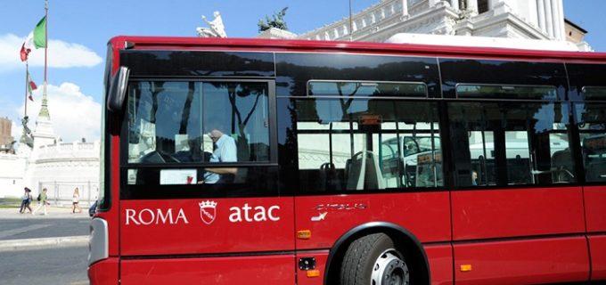 Aggredisce autista bus che gli aveva detto di mettere la mascherina, arrestato a Roma