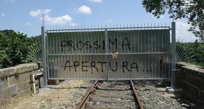Rimosse le paratie dei cancelli del Ponte di Ronciglione