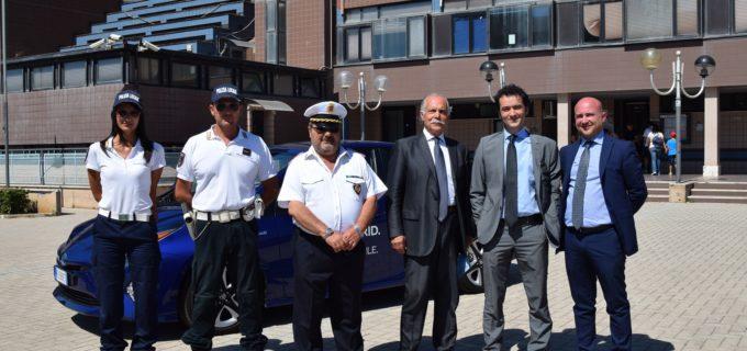 Ladispoli: consegnata alla Polizia Locale un'auto ibrida in comodato d'uso