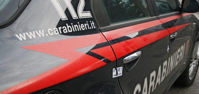 Bracciano: carabinieri arrestano tre ladri, impegnati in un furto in un'azienda di legname