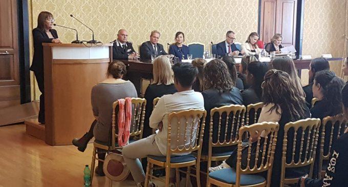 """""""La scuola del dialogo"""", Italia e Finlandia a confronto. Zotta: """"serve una scuola virtuosa, per formare cittadini europei consapevoli"""""""
