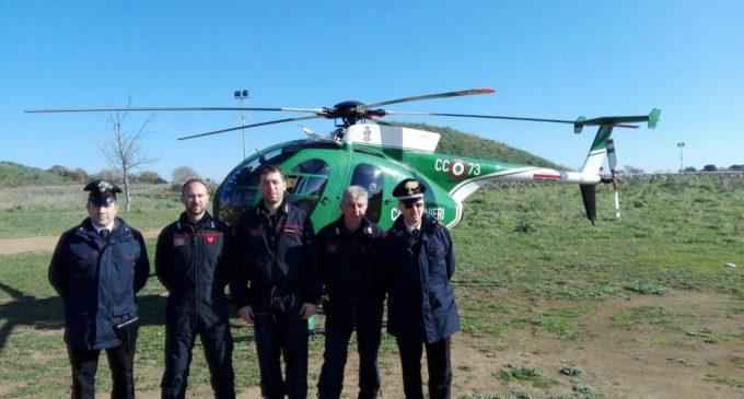 Cerveteri, elicottero dei Carabinieri Forestali in perlustrazione aerea sul territorio comunale
