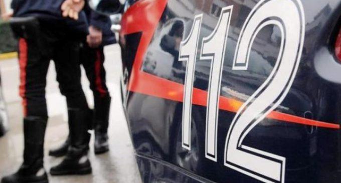Civitavecchia, entra armato di coltello in un mini market: arrestato dai carabinieri