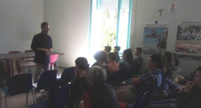"""""""Scuola e legalità"""": seminario del L'agone al Salvo D'Acquisto"""