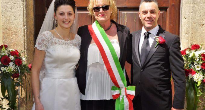 Pubblicazioni Matrimonio Oriolo Romano : Oriolo celebrate le prime nozze allinterno di villa altieri presso