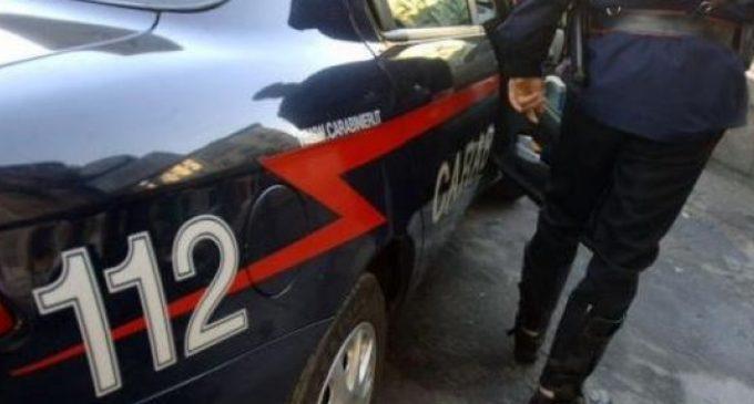Rapina e picchia una prostituta che lo ha rifiutato: arrestato 28enne