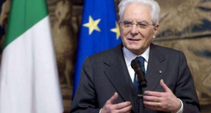 Governo: salta il banco e Mattarella convoca Cottarelli.