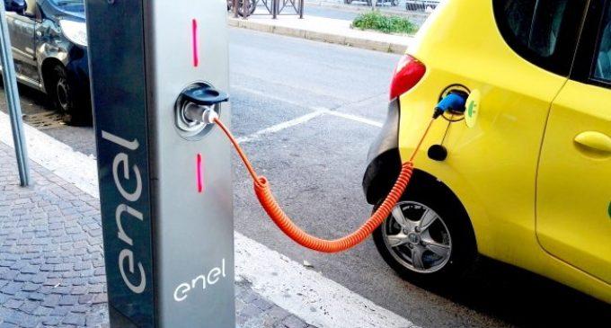 Manziana, primi passi verso la smart city: in arrivo le prime colonnine per la ricarica dei veicoli elettrici