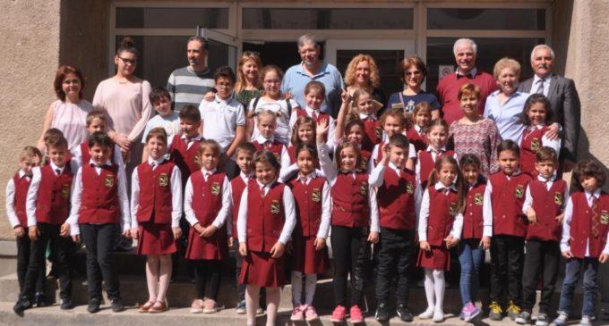 "l'Istituto Comprensivo ""Corrado Melone"" di Ladispoli incontra il Colegiul Naţional ""Radu Negru"" di Fagaras"