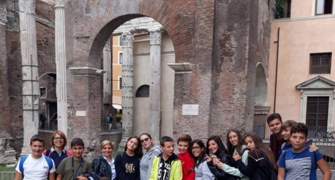 Gli alunni della Corrado Melone in visita al Ghetto Ebraico