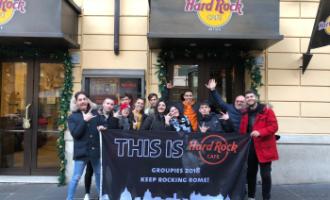 1998-2018  HARD ROCK CAFE' FESTEGGIA 20 ANNI  GLI STUDENTI DELL'ALBERGHIERO DI LADISPOLI VISITANO LO STORICO LOCALE DI ROMA