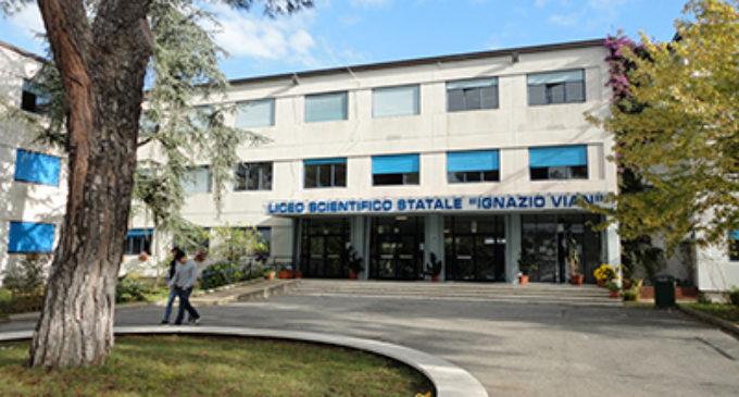 """Premio Letterario """"Vairo-Malavasi del Lago di Bracciano""""XIV Edizione. Organizzato dal Liceo """"I. Vian""""- Bracciano"""