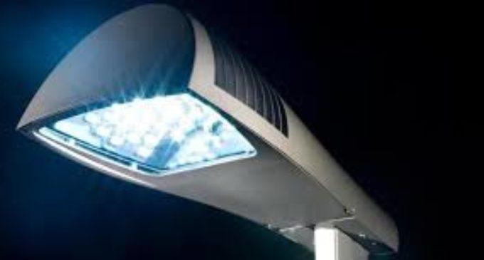 """ANGUILLARA SABAZIA. INIZIATA IL 10 GENNAIO 2019 DA """"BARATTOLI"""" LA SOSTITUZIONE DELLE LAMPADE AI VAPORI DI SODIO CON QUELLE LED."""