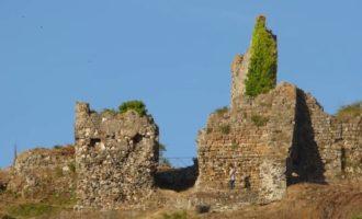 Ricerca e conoscenza degli edifici di valore storico e artistico presenti nel comprensorio sabatino: la Rocca di Vico domina il borgo di Trevignano Romano