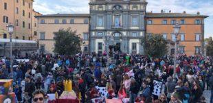 """Bracciano, bagno di folla per il carnevale. Il Sindaco Tondinelli: """"Grazie a tutti per aver contribuito al successo di questa festa"""""""