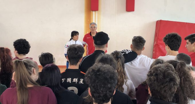 Resoconto dei seminari de L'Agone nuovo presso il Liceo Paciolo di Anguillara Sabazia: L'IMPORTANZA DELLO SPORT PER LA CRESCITA E STILI Di VITA DEI RAGAZZI