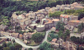 Il borgo storico e il patrimonio architettonico di Vejano