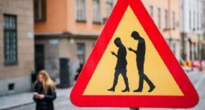 Il nuovo pericolo: i cellulari