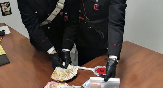 Comunicato stampa : Compagnia Carabinieri di Bracciano, arrestano un 17enne sorpreso a spacciare dal balcone