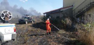 Manziana, incendio divampa in via del Condottino