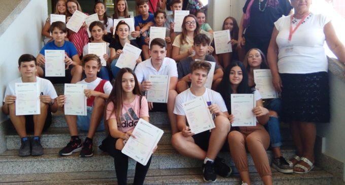 Ladispoli, consegna certificazioni linguistiche Cambridge e Delf alla Melone