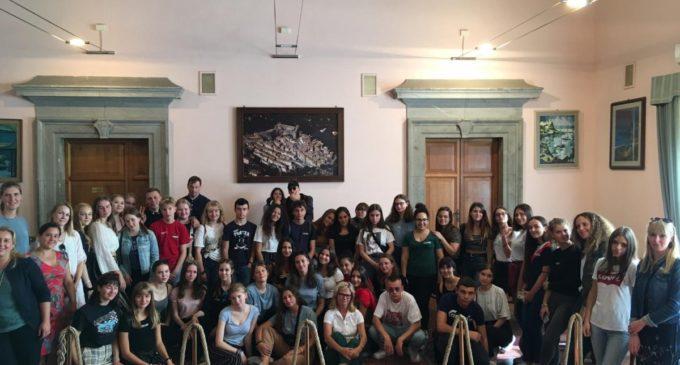 Bracciano: Entusiasmo dei partner finlandesi e tedeschi per l'accoglienza al Liceo Vian di Bracciano