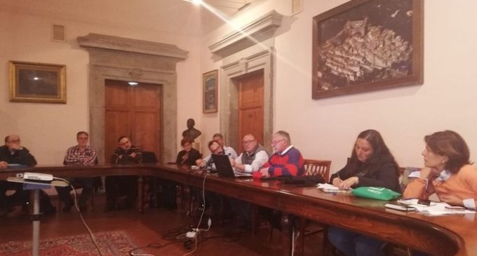 """Anche l'amministrazione Grando ha partecipato all'assemblea pubblica per la presentazione del progetto di """"capping"""" della discarica di Bracciano"""