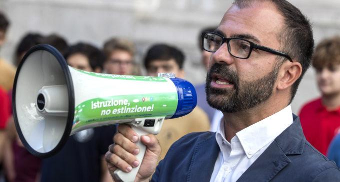 Il governo perde un pezzo: si dimette il ministro Fioramonti