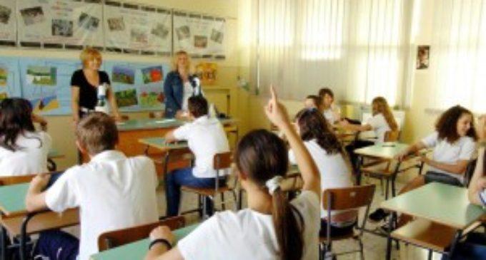 """Il Preside Agresti su sanzioni degli studenti: """"Non dimentichiamo, che la Scuola deve fornire istruzione e non educazione"""""""