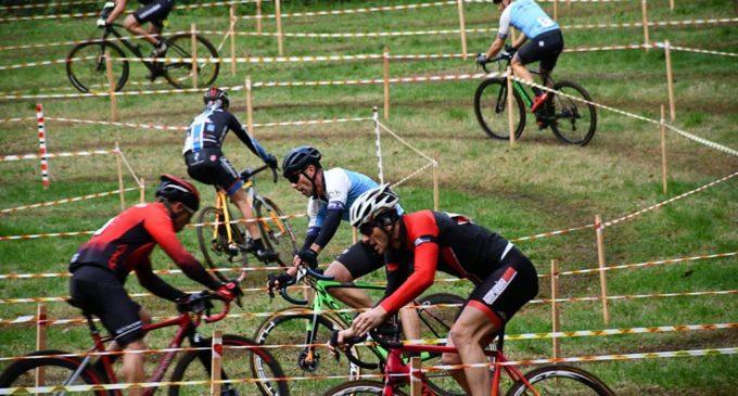 Una gara di ciclocross tra le Olmate e il parco di Villa Altieri