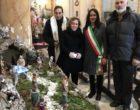 Anguillara: Don Francisco Botia ha dato la benedizione ai presepi realizzati nellechiese della città, insieme al Sindaco Anselmo