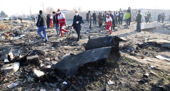 """L'Iran ammette di aver abbattuto l'aereo di linea ucraino: """"Errore umano"""""""