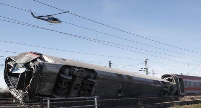 Milano: Deraglia treno alta velocità, morti che macchinisti