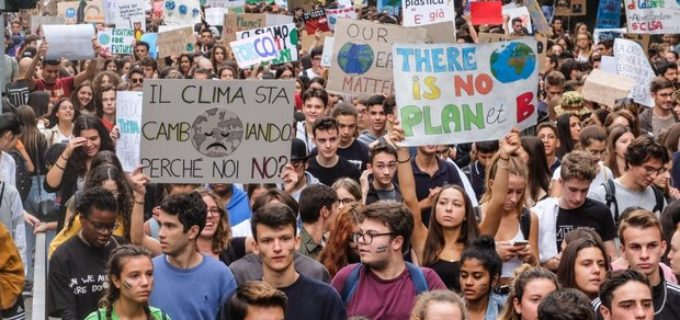 """Mondo. Due crisi, una sola soluzione: """"transizione ecologica"""""""
