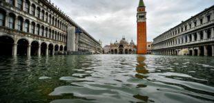 Venezia, la ruggine rovina la festa per la prova del Mose: intaccate 21 paratoie a Treporti per mancata manutenzione