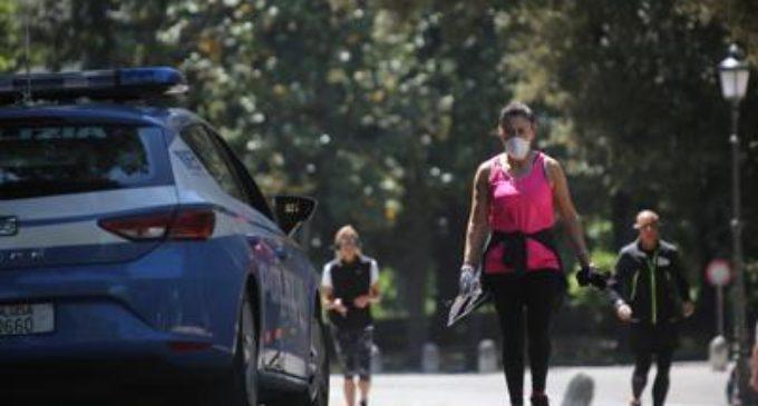 Fase 2 Roma, controlli nei parchi. A Ostia ciclisti e runner in pineta. Ardea, tre multati in spiaggia