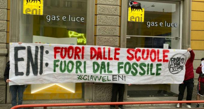 Basta promesse, serve un piano: Fridays for Future contro ENI