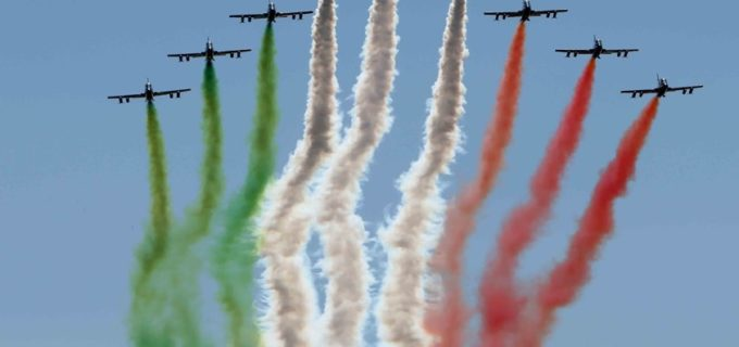 """Il """"Giro d'Italia"""" delle Frecce Tricolori per la festa del 2 giugno: sorvoleranno anche Codogno e Milano"""