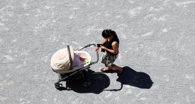 Famiglie in allarme: bonus babysitter e congedo non si intrecciano