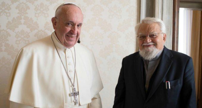 """Monastero di Bose, il Vaticano decide che Enzo Bianchi e tre monaci devono andarsene. """"Gravi problemi su esercizio autorità"""""""