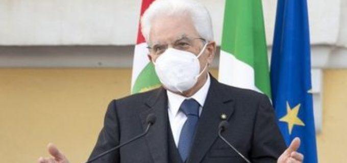 """Mattarella riaccende un faro sui giovani: """"Tornino centrali"""""""