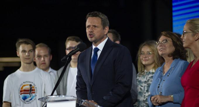 Polonia, Duda in vantaggio con il 43,5% dei voti