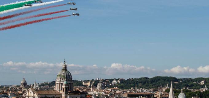 2 giugno, Applausi per Mattarella a Codogno: 'Riparte l'Italia del coraggio'