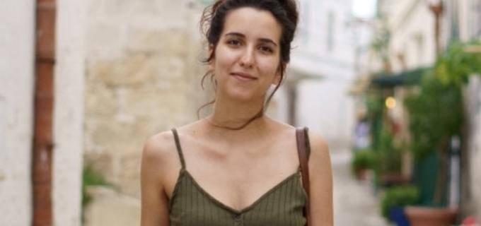 """Festa del 2 giugno, la storia di Teresa: """"Mi fa sentire meno sola, parte di qualcosa. Non fuggirò dall'Italia"""""""