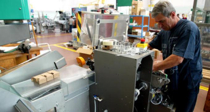 A maggio produzione industriale -20,3% su base annua