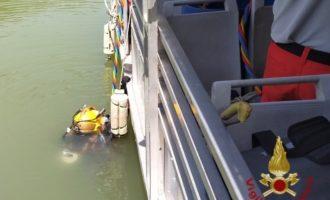 Elicottero caduto nel Tevere, recuperati due corpi